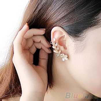 Amefurashi Anting Korea Daun Asimetris Asymmetric Leaf Clip Dangle Earring Beauty ... Source · Anting Korea Crystal Opal Flower Clip Earring Beauty