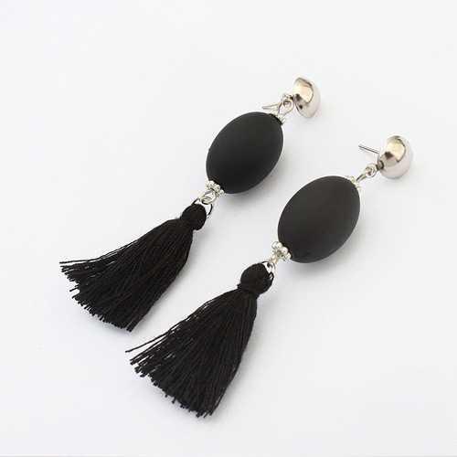 LRC Anting Gantung Elegant Petal Shape Decorated Earrings. Source · Jual LRC Anting Tusuk Retro Tassel Decorated Simple Long Chain | Jakmall.com