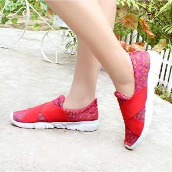 Sepatu Sneakers Wanita Silang